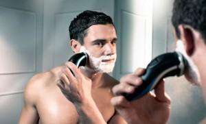 utilizzo-rasoio-elettrico
